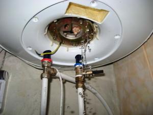 Bagaimana Cara Menguras Air Dari Pemanas Air Pada Contoh Peralatan Perusahaan Ariston Dan Thermex